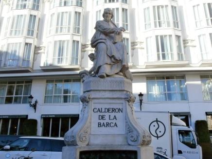estatua-de-calderc3b3n-de-la-barca