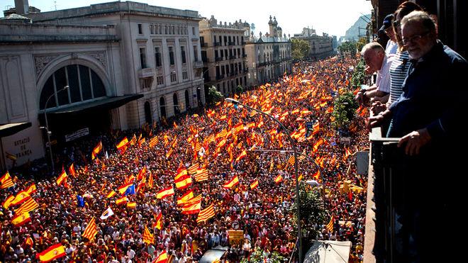 Manifestacion-espanolista-Barcelona_1947115273_8810941_660x371