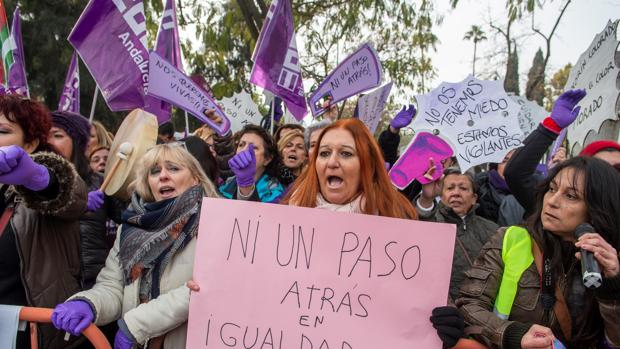 manifestacion-feminista-sevilla-kwi--620x349@abc