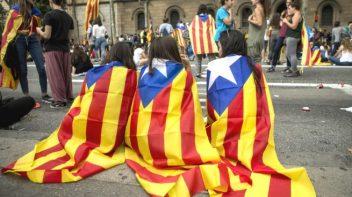 ninos-esteladas-escuela-catalana